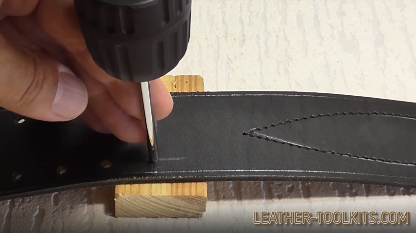 Hole puncher for leather