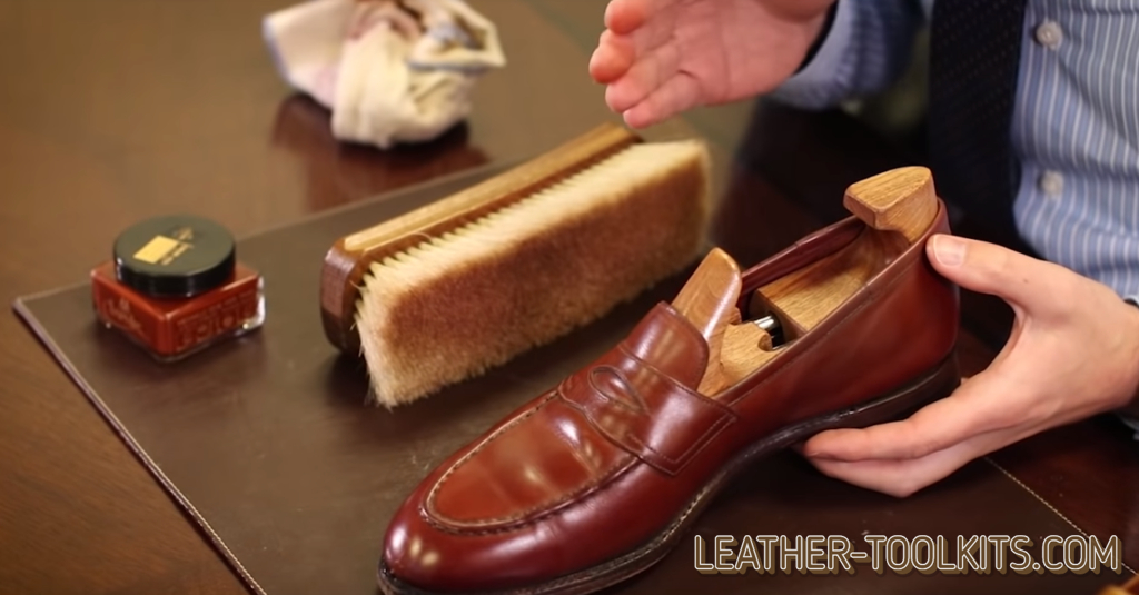 Saphir Medaille D'or Pommadier Cream Polish and Leather Shoes